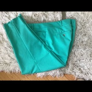 ❤️Great straight leg pants❤️❤️Soft Green